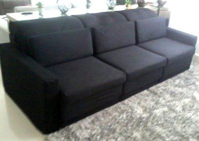 Capa para sofá modelo reto, com encostos articulados e assentos retráteis